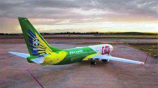 Presentan el nuevo avión de la selección brasileña