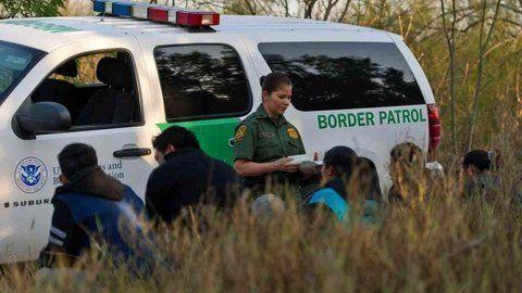 Desplome dramático. Los agentes de frontera aprehendieron en febrero a 18.762 personas sin papeles