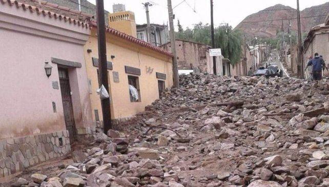 Viviendas destruidas y evacuados por un alud que afectó a seis barrios de Tilcara