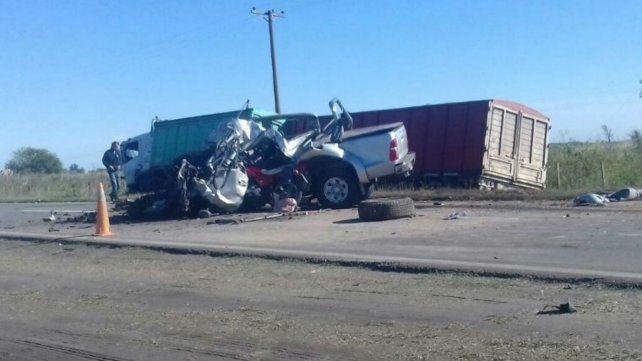 Fatal. El siniestro involucró a tres camiones