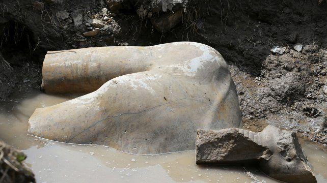 Revelador. Una de las dos esculturas trabajadas en cuarzo.