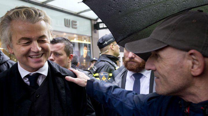 El Trump holandés. Wilder proclama en su campaña electoral prohibir el Corán y desislamizar su país.