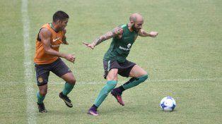 Juega. Javier Pinola viene haciendo fútbol y será titular ante los cuyanos.