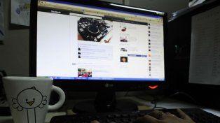 Facebook quedó en el medio de las críticas por la filtración de datos.