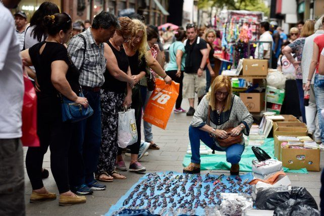 <b>La peatonal, un mercado.</b>