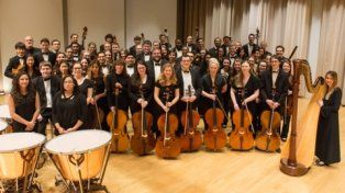 numerosa. La orquesta estadounidense está conformada por 80 músicos y dirigida por Jan Wagner.
