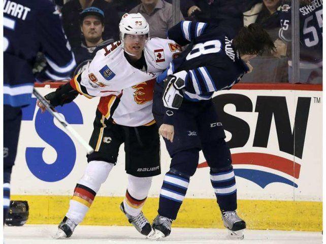 Violenta pelea con heridos en el hockey sobre hielo