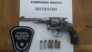 Una de las armas secuestradas ayer.