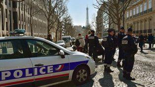 La sede parisina del FMI se localiza en las cercanías de la torre Eiffel y el Arco del Triunfo.