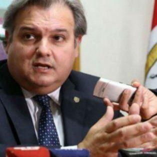 El ministro de Gobierno y Reforma del Estado en conferencia de prensa.