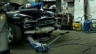 Fue a reclamar porque le arregló mal el auto y el mecánico lo asesinó a puñaladas