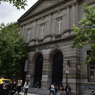 Las víctimas del tiroteo en República de la Sexta son atendidas en el Hospital Provincial.