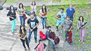 Estudiantes de la UNR que integran la Orquesta Sinfónica Juvenil y el director Pozo destacan el valor de aprender una carrera y formarse profesionalmente.
