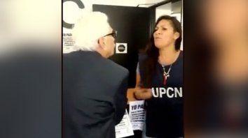 Una captura del video que muestra la discusión entre Todesca y empleados de UPCN.