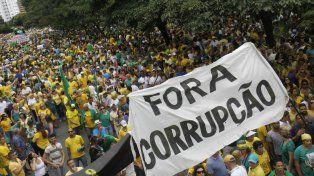 Malestar y repudio. Las movilizaciones ciudadanas contra la corrupción se sucedieron en todo Brasil.