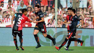 Colón derrotó a Unión y cortó una racha negativa de 19 años sin ganar el clásico santafesino de visitante.