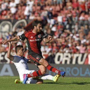 Tarde soñada. Nacho convirtió por primera vez en Newells tres goles en un partido.