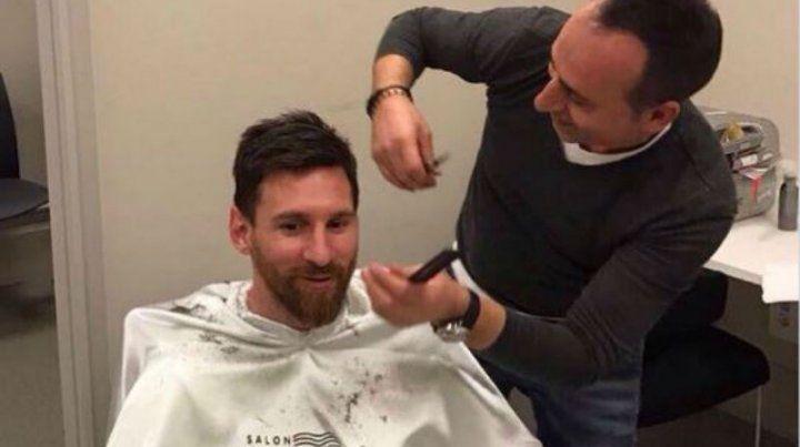 El peluquero turco publicó imágenes en Twitter.