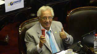 Buzón en mano. Recalde dijo que la gestión macrista no tiene un plan de gobierno sino un plan de negocios.
