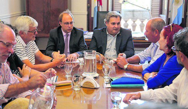 Hace una semana el gobierno provincial realizó una oferta salarial del 21 por ciento a estatales que fue rechazada.
