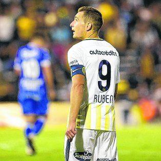 Presente imperfecto. Ruben viene de errar un penal ante Godoy Cruz, y hace varios meses que no puede facturar.