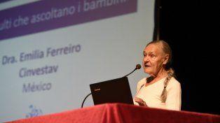 La psicóloga e investigadora Emilia Ferreiro durante la capacitación de ayer.