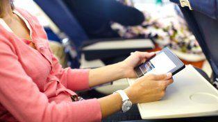 La decisión de prohibir algunos dispositivos electrónicos tiene que ver reforzar medidas de seguridad en aeropuertos.
