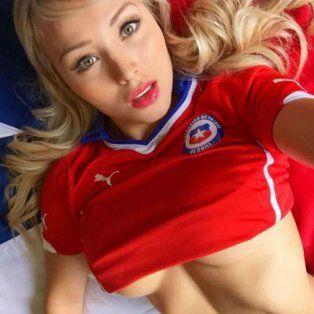 La playmate chilena provoca a los argentinos a través de las redes sociales.