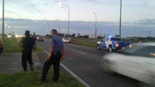Un pasajero de colectivo sufrió una herida de bala en el ataque a la camioneta policial