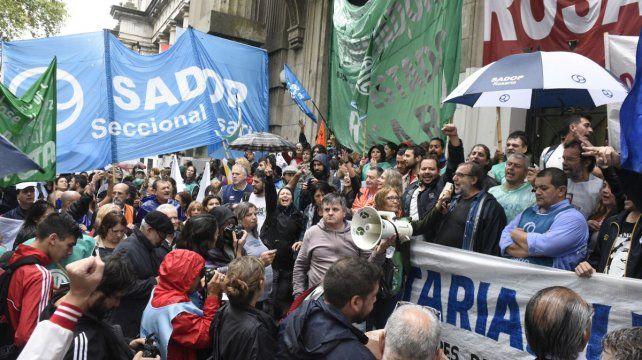 Demanda. Hace una semana hubo una protesta frente a Gobernación.