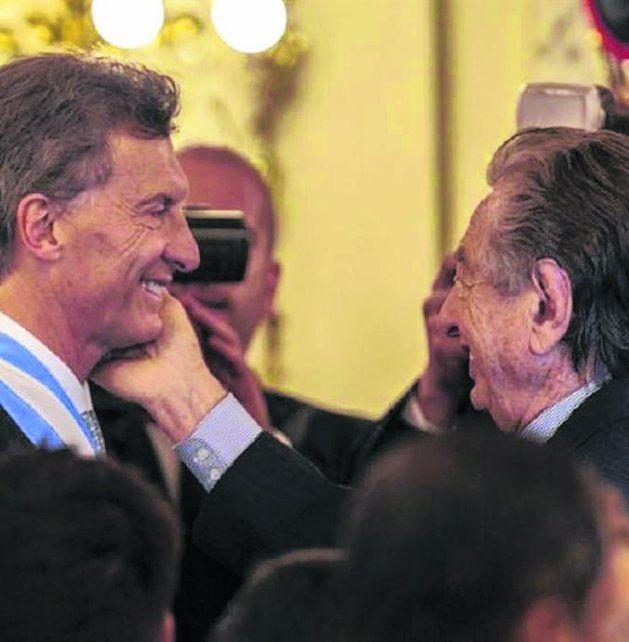 Del palo. Macri fue cuestionado por el supuesto beneficio a su padre.