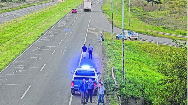 Desde el puente. La ruta 34-S atraviesa la autopista a Santa Fe y allí se inició el cinematográfico ataque.