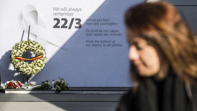 Bruselas:  un año después del peor atentado terrorista recuerda a sus víctimas y sigue en alerta