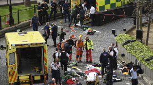 Al menos un muerto y siete heridos, el saldo de dos atentados en Londres