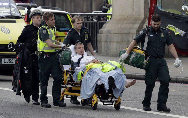 Los líderes mundiales  repudiaron el ataque en cercanías del Parlamento británico