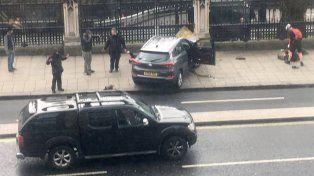 El ataque dejó un saldo de cinco muertos, entre víctimas y el terrorista abatido.
