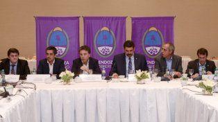 impuestos. Dujovne se reunió con los ministros de las provincias.