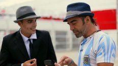 Jorge Alis busca a Carlos Gardel para devolverle la argentinidad al país.