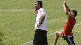 Osella planteó ayer que el partido ante Patronato será muy trabado, de segunda pelota.