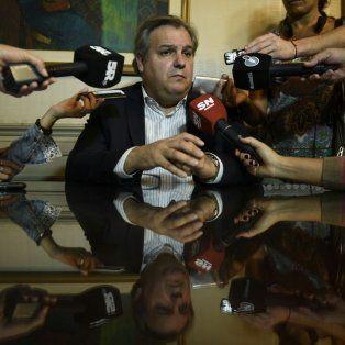 El ministro de Gobierno Pablo Farías adelantó que la propuesta para los docentes será similar a la de los estatales.