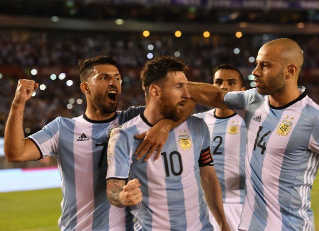 Argentina no convenció pero venció a Chile y dio un paso importante de cara al Mundial