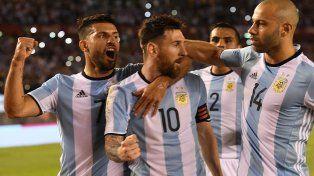 Al término del primer tiempo, Argentina se impone sobre Chile con un gol de Messi