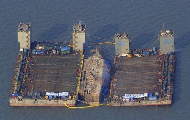 Pavoroso. El Sewol naufragó por exceso de carga. El capitán está preso.