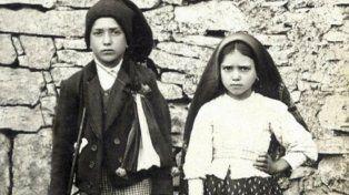 Santos. Francisco (1908-1919) y Jacinta Marto (1910-1920) los pastorcitos que vieron a la virgen de Fátima.