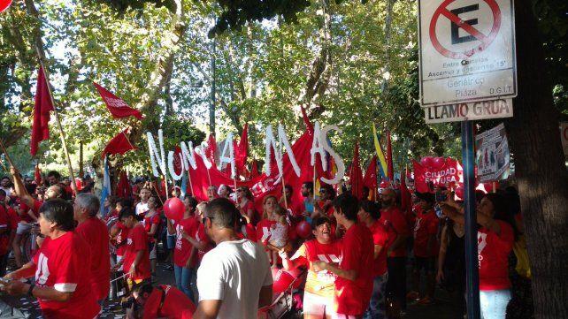 Multitudinaria marcha en Rosario por el Día de la Memoria, la Verdad y la Justicia