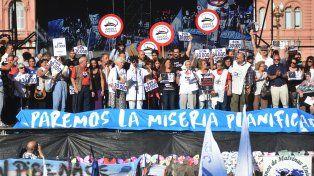 La Plaza de Mayo, histórica repleta y diversa para seguir diciendo Nunca más