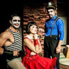 Hermanos en problemas. Luciano Castro, Marita Ballesteros y Marco Antonio Caponi, el trío protagónico.