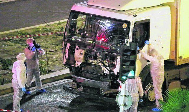 Difícil predecir. El camión utilizado en Niza para atropellar a una multitud