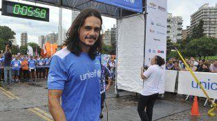 Christian Sancho lidera una colecta de zapatillas en Rosario para los chicos del impenetrable