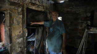 Le debo la vida a Loly, confesó Eduardo Tambasia, quien quedó en medio del fuego y lo salvó su gata.